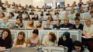 Studienanfänger heute: Fehlt ihnen der Bildungsmut?