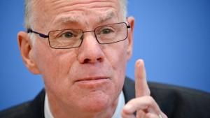 Lammert will Rechte der Opposition stärken