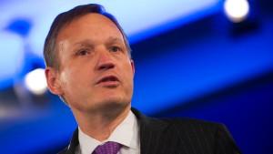 """Bankenchef: Ohne hohe Boni gibt es eine """"Todesspirale"""""""