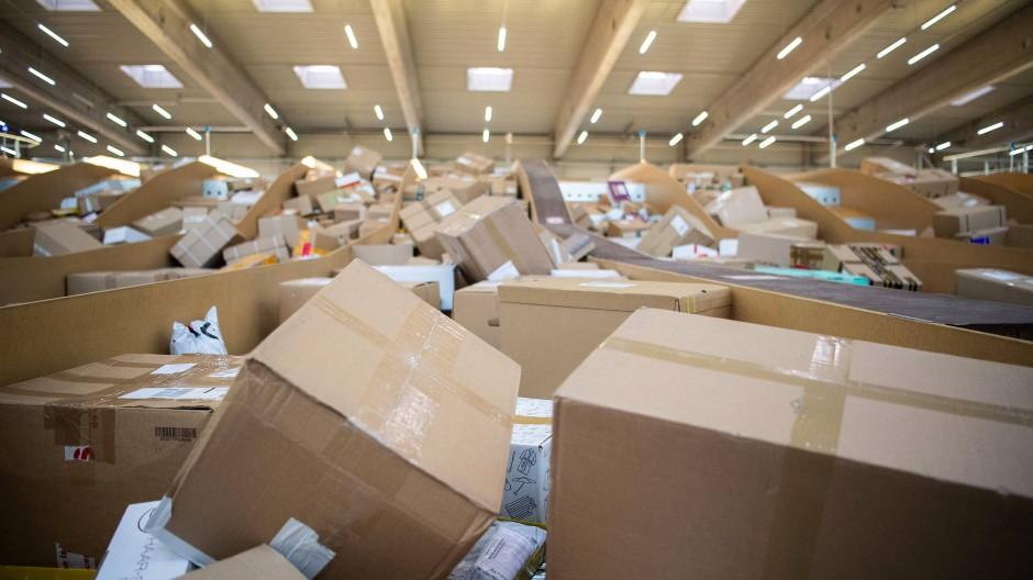 Retouren: Die Deutschen haben mehr Pakete bestellt denn je.