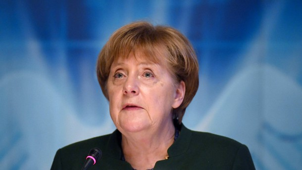 Merkel verteidigt Agenda 2010 – und kritisiert Schulz
