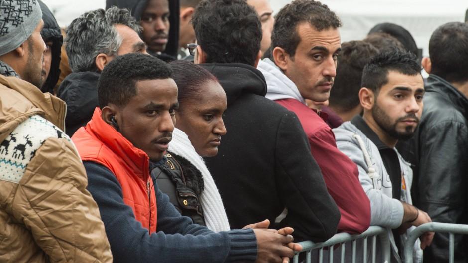 Auch am 2. Dezember sind in der Erstaufnahmeeinrichtung in Gießen wieder Flüchtlinge angekommen.