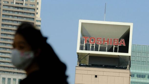 Toshiba prüft Rückzug von der Börse