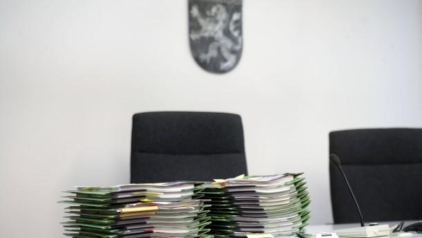 Manroland-Insolvenz - Bei dem ersten Kammertermin vor dem Arbeitsgericht Offenbach werden 26 von insgesamt 200 Fällen verhandelt