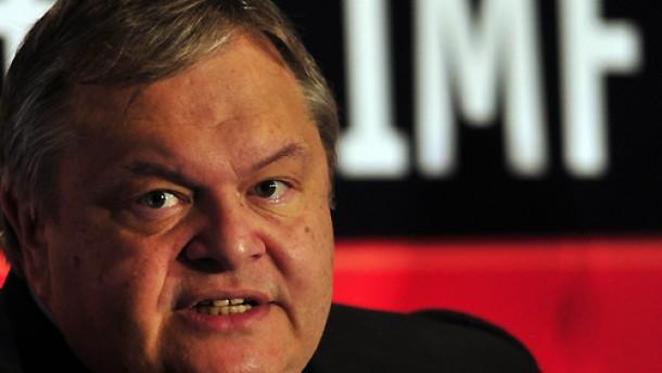 Finanzminister will im Staatssektor weiter kürzen