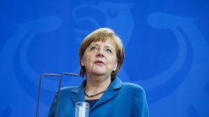 Merkel setzt sich für Schlichtung im Bahn-Konflikt ein