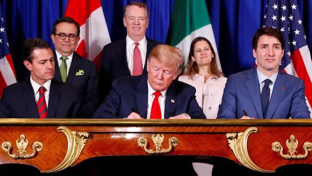 Trump unterschreibt neues Handelsabkommen mit seinen Nachbarn