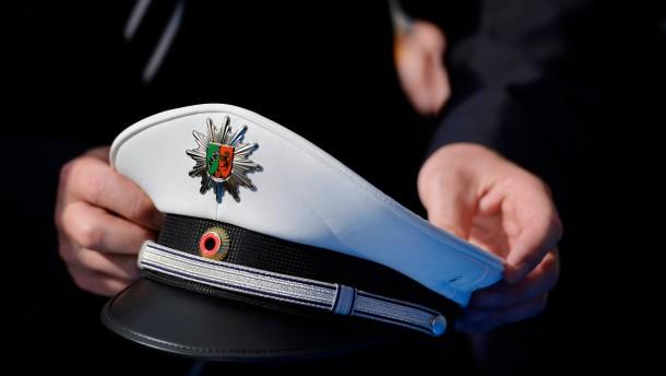Polizei in NRW arbeitet jetzt komplett in blauer Uniform.