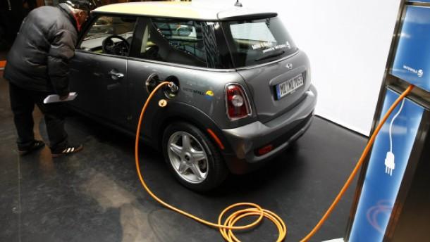 Stromkonzerne drängen in die Autoindustrie