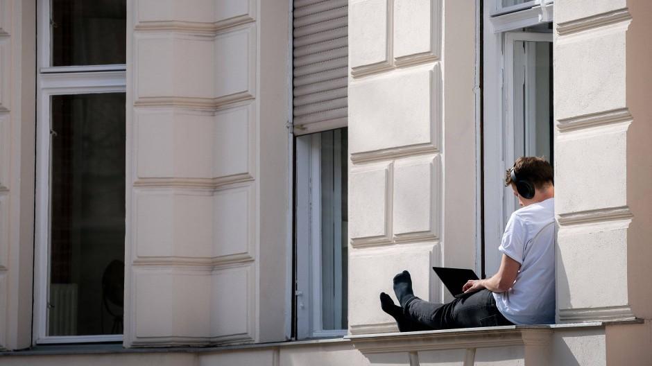 Homeoffice geht auch an der frischen Luft.