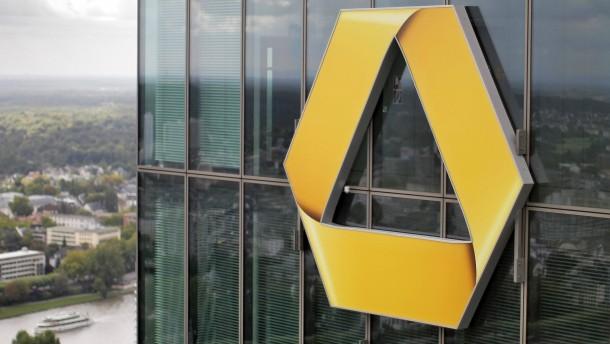 Commerzbank muss Jahresziel 2012 kippen