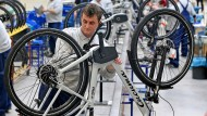 Für ein E-Bike geben die Deutschen im Schnitt etwa 2300 Euro aus.