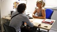 Darf ein Arbeitgeber Deutsch als  Muttersprache verlangen?