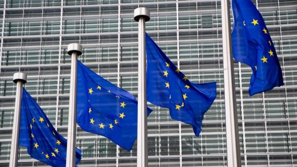EU-Beamte wollen für höhere Gehälter kämpfen
