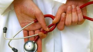 Ärztepräsident will schnellere Überweisungen zu Fachärzten