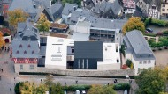 Schöner Wohnen: Der neu erbaute Dienst- und Wohnsitz des Bischofs Tebartz-van Elst in Limburg hat alle Kostenvoranschläge übertroffen.
