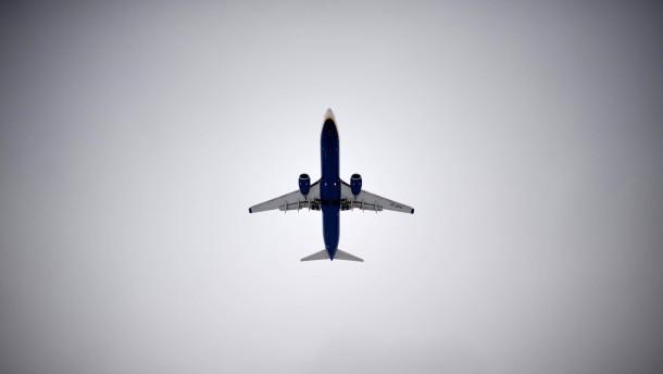 Gericht verhandelt Klagen gegen Wannsee-Flugroute
