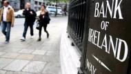 """Vor der """"Bank of Ireland"""" in Dublin"""