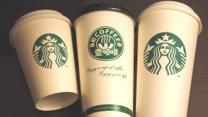 Starbucks liefert jetzt auch Kaffee