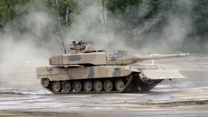 Bundesregierung begrüßt geplante Rüstungsfusion
