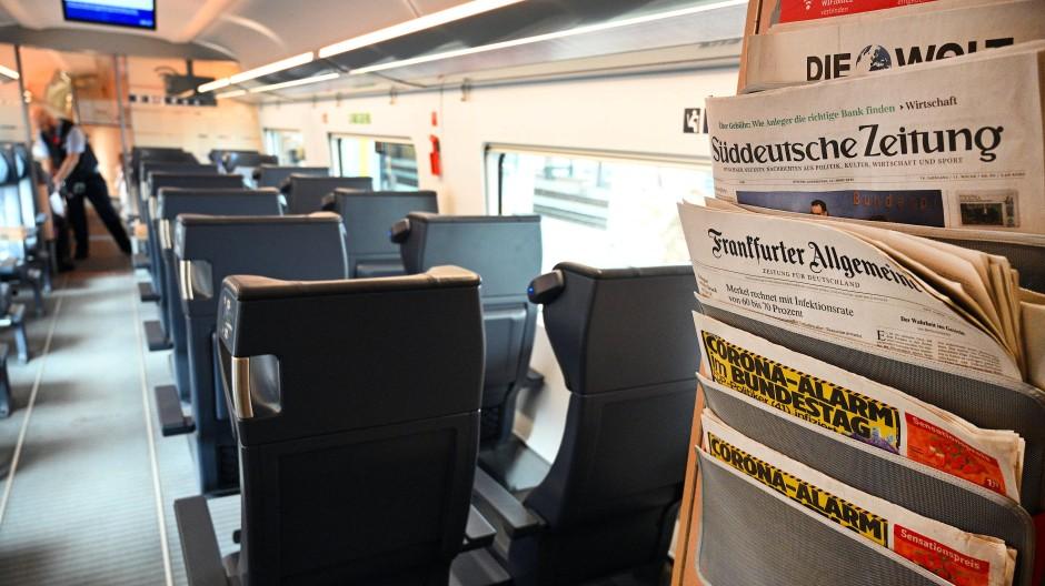 Die Fahrgastzahlen der Bahn sind deutlich zurückgegangen.