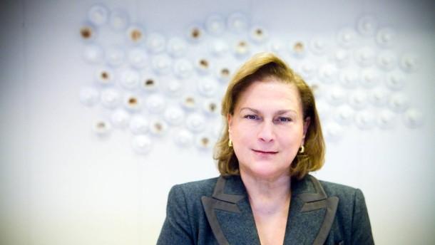 Gueler Sabanci - Die Vorsitzende der Sabanci Holding, der zweitgrößten Muttergesellschaft einer Gruppe von Industrie- und Finanzfirmen in der Türkei, stellt sich in Instanbul den Fragen von Rainer Hermann