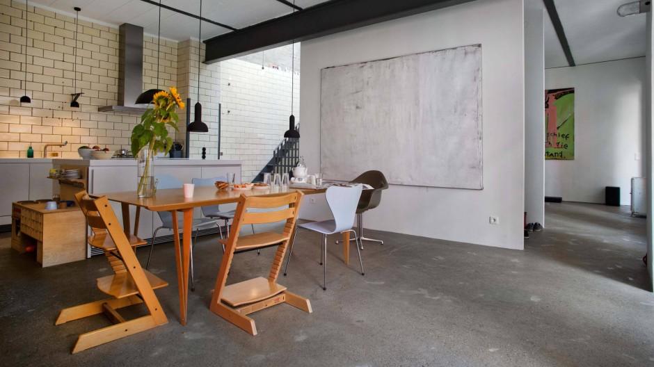 Blick in die Wohnküche: offen und doch gegliedert