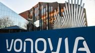 Vor der futuristischen Firmenzentrale in Bochum: Vonovia hat letztes Jahr viel mehr Geld verdient. Nur eine Übernahme hat nicht geklappt.