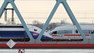 Regierung unterstützt Fusion von Siemens und Alstom