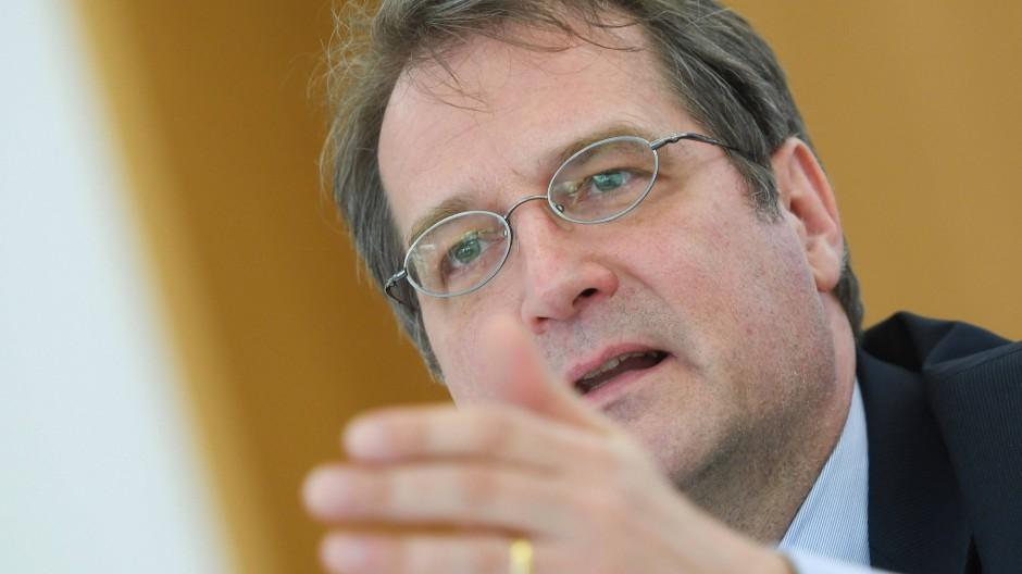 Volker Wieland ist Professor für monetäre Ökonomie in Frankfurt und Mitglied im Wirtschafts-Sachverständigenrat.