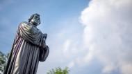 Denkmal für den Reformator Martin Luther in Thüringen.