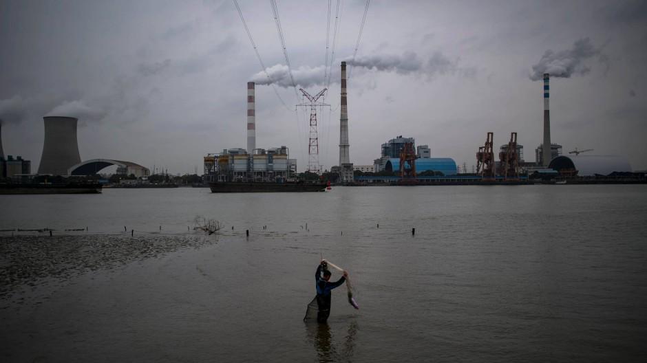 Ein Kohlekraftwerk bei Schanghai.