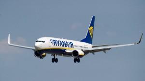 Ryanair steigert Gewinn um 66 Prozent
