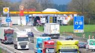 Autobahn-Raststätte an der A8 bei Nellingen