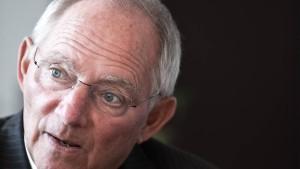Schäuble stellt sich gegen den Bundesbank-Chef