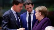 Schwierige Verhandlungen: Angela Merkel im Gespräch mit dem niederländischen Premierminister Mark Rutte und Österreichs Kanzler Sebastian Kurz im Februar in Brüssel.