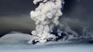 Aktiv: Der Vulkan Grimsvötn unter dem Vatnajokull-Gletscher im Südosten Islands.