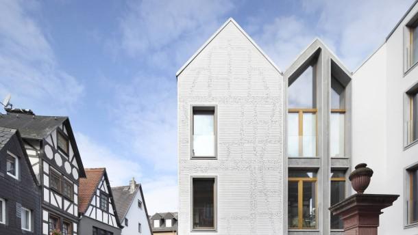seite 2 architektur ein hoch auf das giebeldach. Black Bedroom Furniture Sets. Home Design Ideas