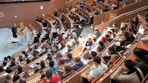 Ein Studium bringt 2,3 Millionen Euro