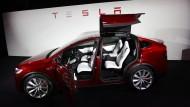 Tesla verdreifacht Verlust - die Börsianer jubeln