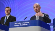 EU-Kommissionsvize Valdis Dombrovskis und EU-Finanzkommissar Pierre Moscovici