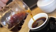 Kaffeetrinker erfreuen den Finanzminister