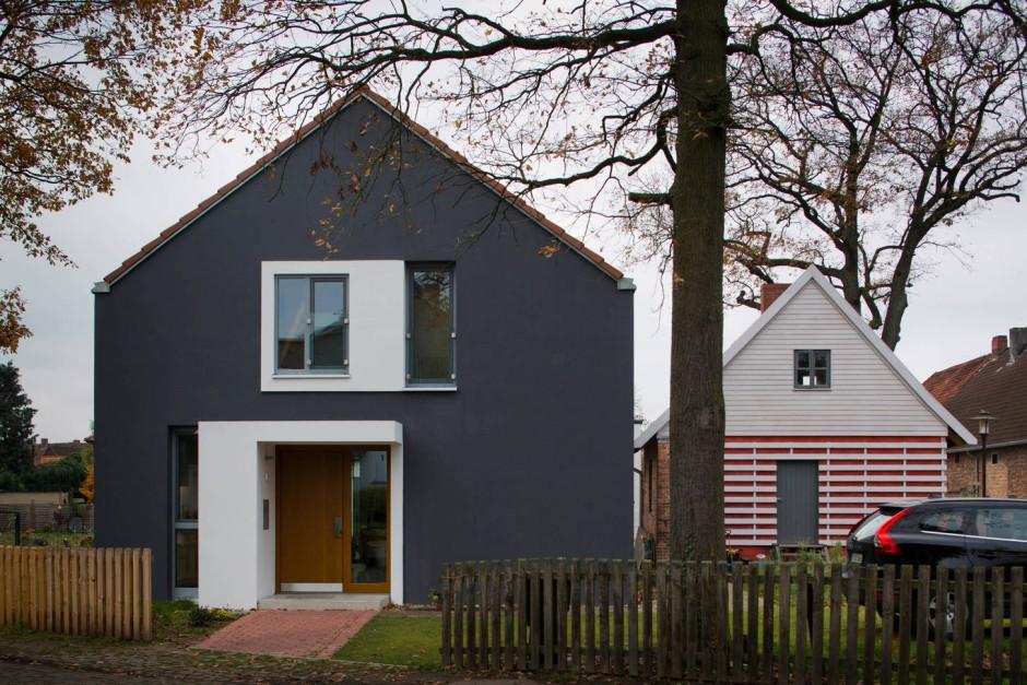 einfamilienhaus in kleinburgwedel. Black Bedroom Furniture Sets. Home Design Ideas
