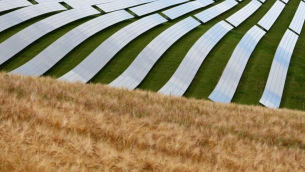 Die Photovoltaik findet aus dem dunklen Tal