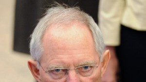 Schäuble verteidigt Einigung auf Euro-Gipfel