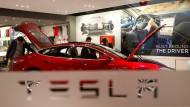 Tesla stopft Sicherheitslücke nach Hackerattacke