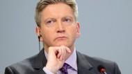 Der Risikovorstand der Deutschen Bank Stuart Lewis hält seinen Arbeitgeber für gut gerüstet.