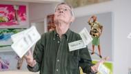 Hans-Jürgen Kuhl im Geldregen gefälschter Dollar-Noten
