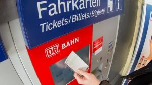 Bahn erwägt Senkung der Sparpreise