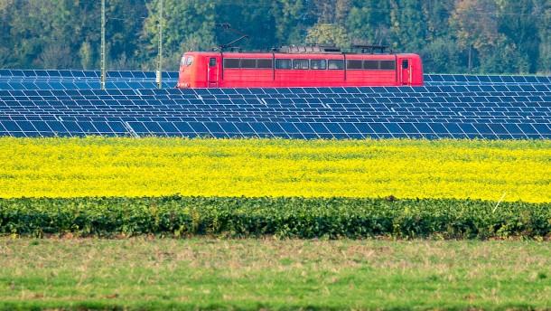 Die Bahn speist eigenen Ökostrom ein